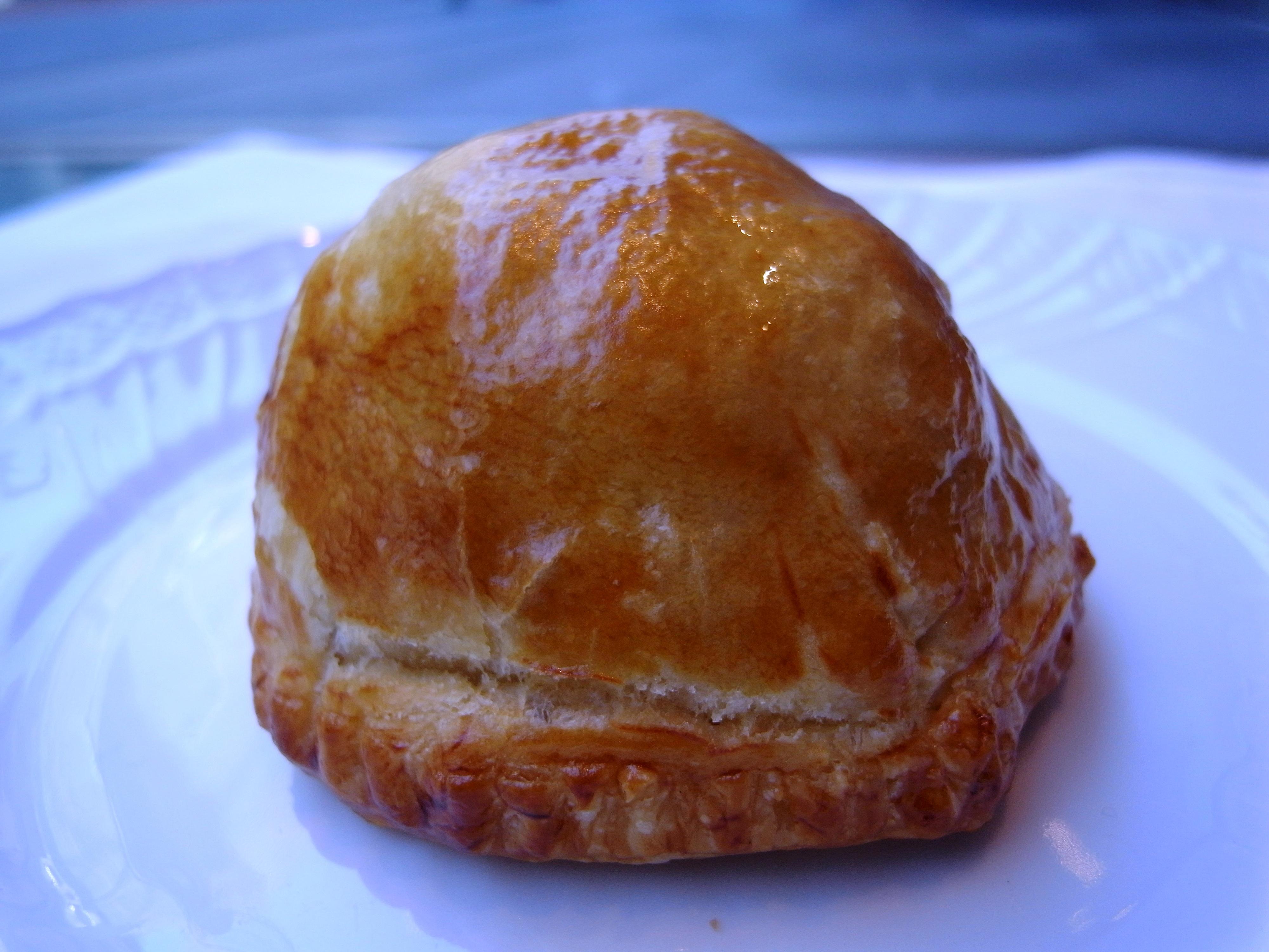 二月の新作・・・『猪とフォアグラのパイ包み焼き』
