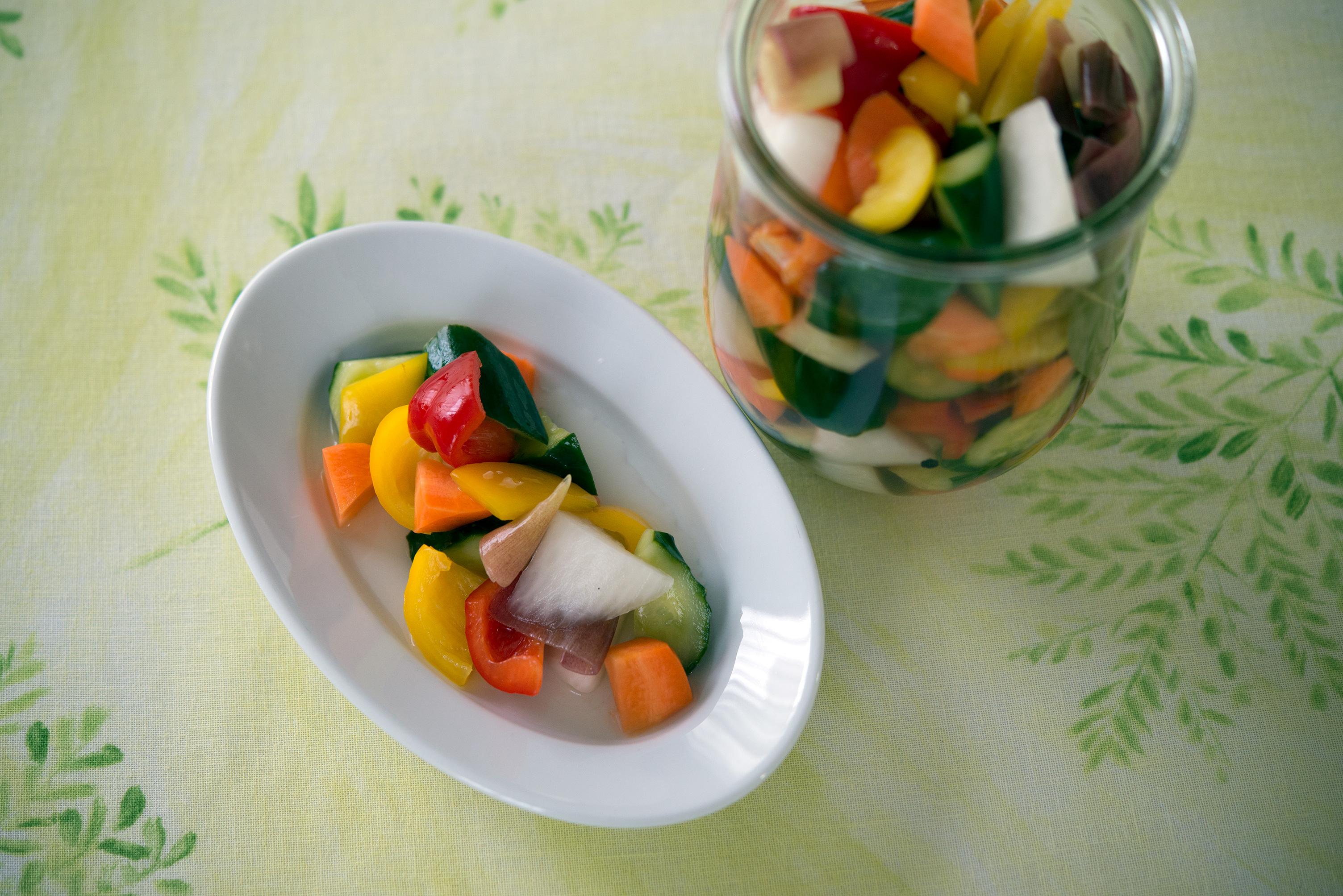 暑い時期にはピッタリの「夏野菜のピクルス」