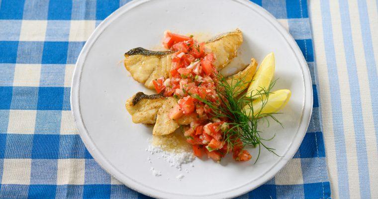 完熟トマトで作るおいしい夏のソース「フレッシュトマトサルサ スズキのソテー添え」
