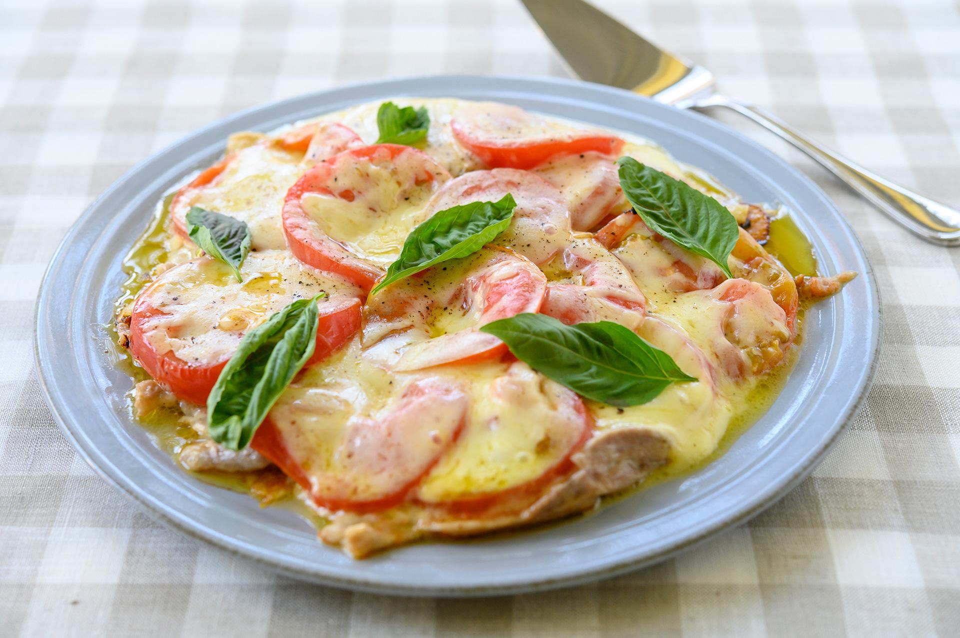 生地いらずで手軽に大満足「豚肉とトマトのピザ風」