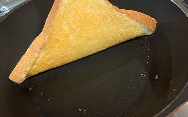 ぶっ飛ぶ美味しさ!簡単チーズトースト